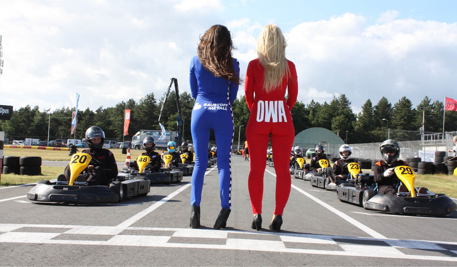 Sensationele Race Op Circuit Park Berghem Baustoff Metall De Specialist In De Droge Afbouwsector